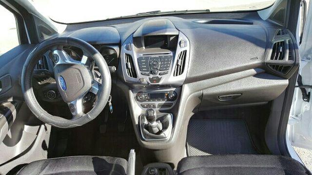 Ford Grand Tourneo Connec 2015