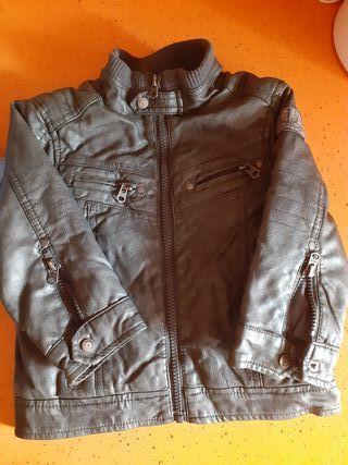 chaqueta de cuero forrada 2 años