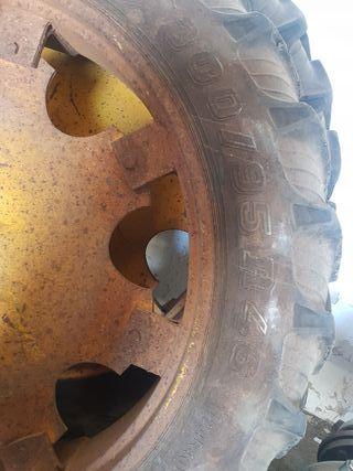 se vende jgo ruedas estrechas tractor