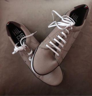 Zapatillas de vestir marca TOMMY HIL FIGER