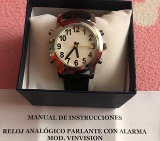 Reloj analógico parlante con alarma