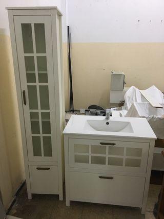 Mueble de baño con lavabo más mueble rinconera.