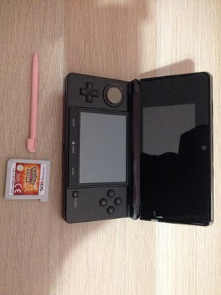 Nintendo 3DS + Pokemon Sol