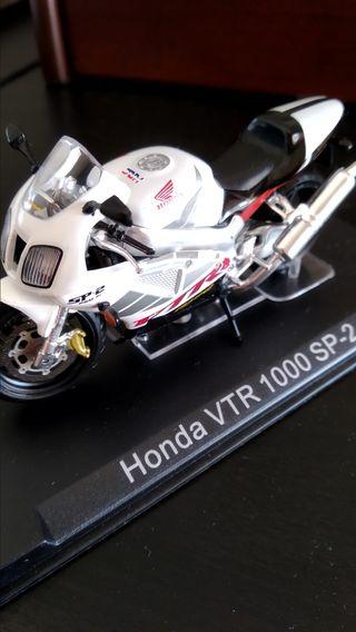 Honda VTR sp-2 maqueta