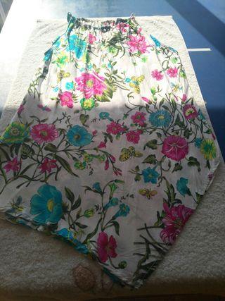 camisola floreada de cortefiel.