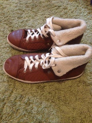 Zapatillas marrones