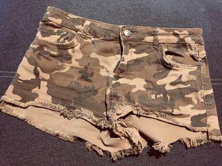 Pantalon corto de camuflaje
