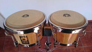 bongos y trípode