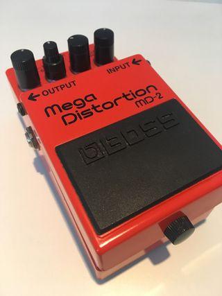 Pedal de guitarra boss Mega Distortion MD-2