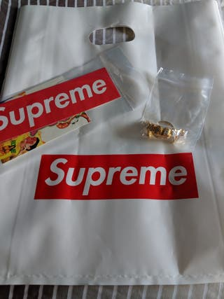 Supreme Front Keychain Gold