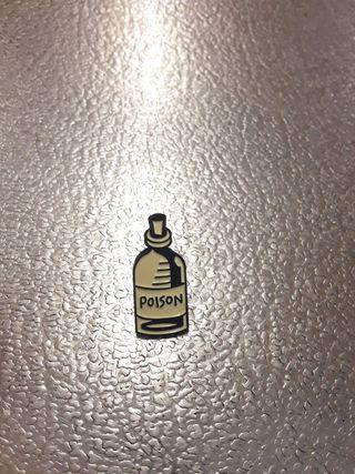 pin botella veneno