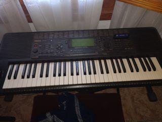 vendo piano Yamaha Psr 620