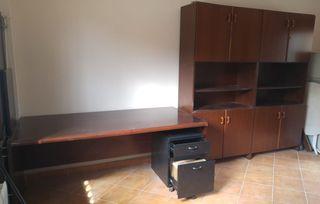 Mesa oficina con estanteria