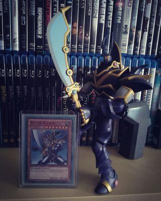 Figura + Carta Yu-Gi-Oh!