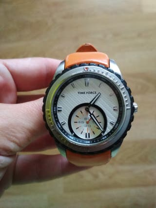 790b4824d Reloj de marca de segunda mano en Ferrol en WALLAPOP