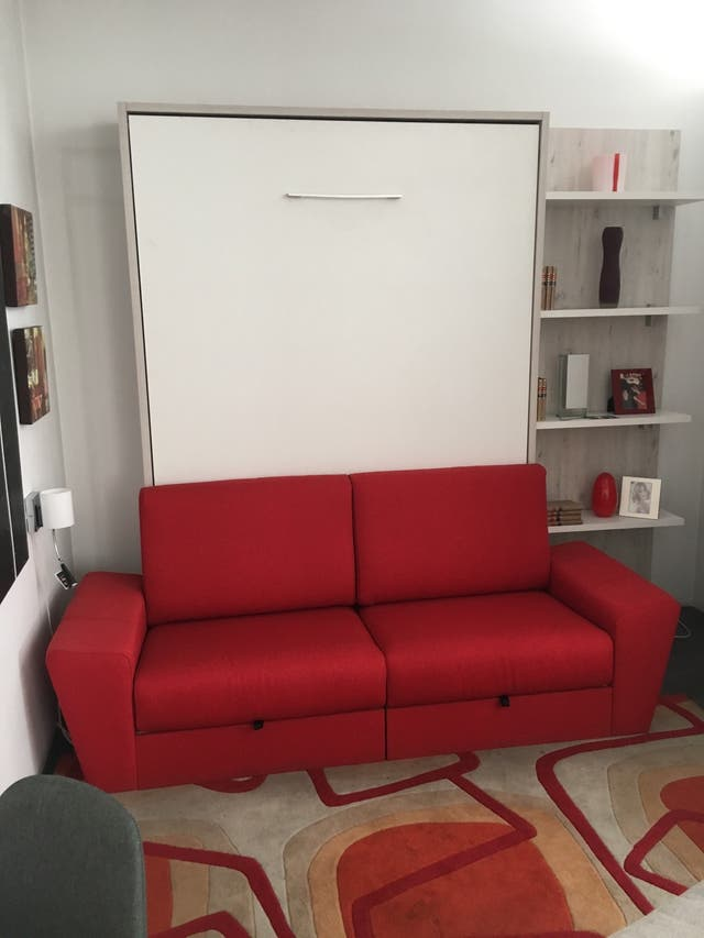Cama abatible matrimonio con sofá