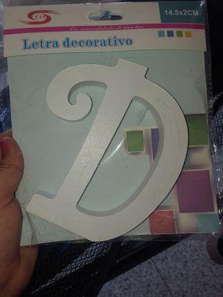 letras decorativas de madera blanca