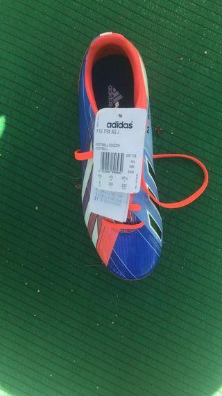 zapatillas de fútbol Adidas nuevas