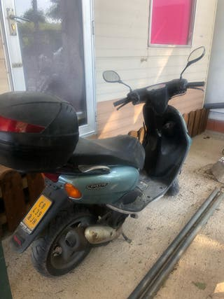 Moto scooter Azul