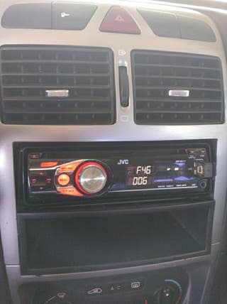 Radio JVC con USB y mp3