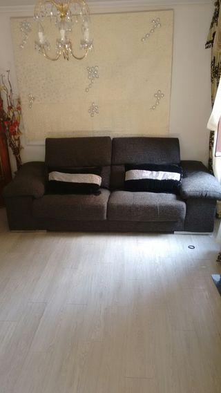 sofá muy cómodo