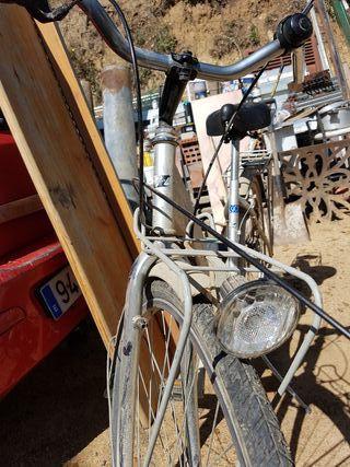 antigua bicicleta Halley