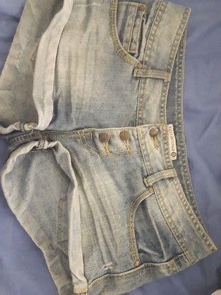 pantalones cortos vaqueos