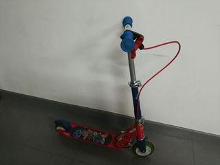 Patinete scooter con freno en manillar