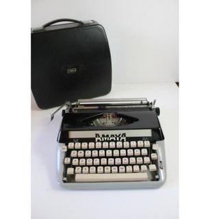 Máquina de escribir Amaya 86