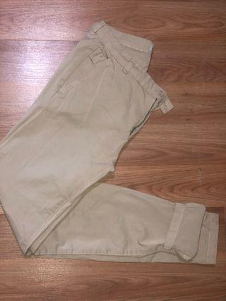 Pantalón de pinzas pull and bear talla s