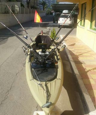 OCEAN KAYAK CON MOTOR INTERIOR