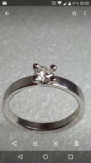 a2bbd6ffd798 Anillo de compromiso diamante de segunda mano en WALLAPOP