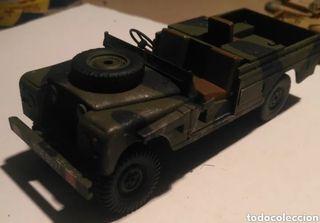 Land Rover LWB 1/35 montado y pintado con detalles