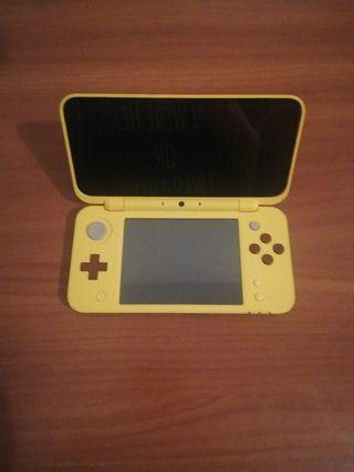 Nintendo 2 DS XL pikachu