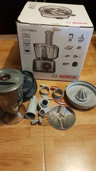 Robot de cocina BOSCH. Modelo MCM68840