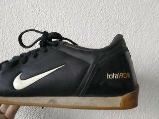 zapatillas Nike total 90 talla 36