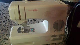 Makina de coser jata