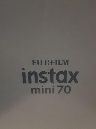 Cámara instantánea instax mini 70