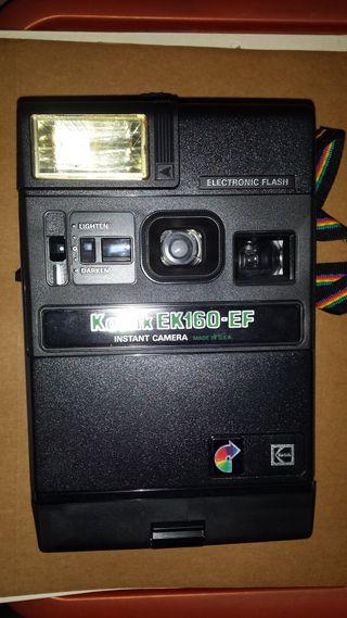Cámara de fotos antigua Kodak EK160 EF