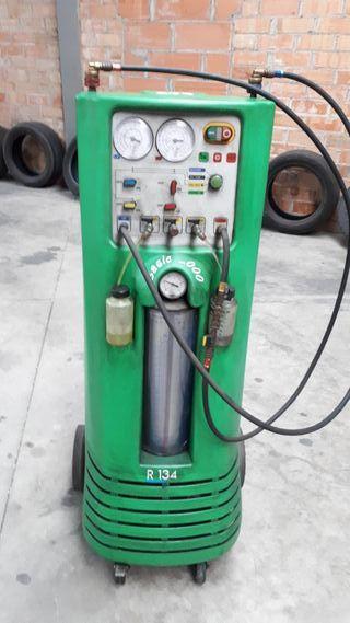 Maquina cargar aire acondicionado