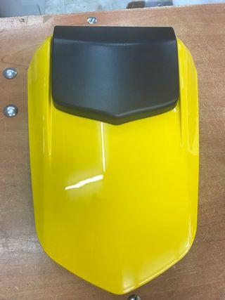 TApa de Colin nueva amarilla Yamaha r1 2006 al