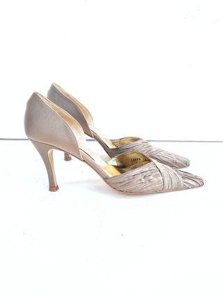 defc56791 Zapatos de tacón bajo de segunda mano en Barcelona en WALLAPOP