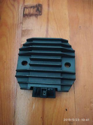 regulador de corriente yamaha R1