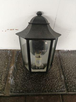 lámpara exterior