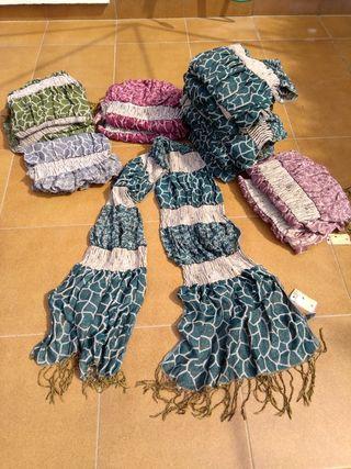 Bufandas nuevas algunas con etiquetas