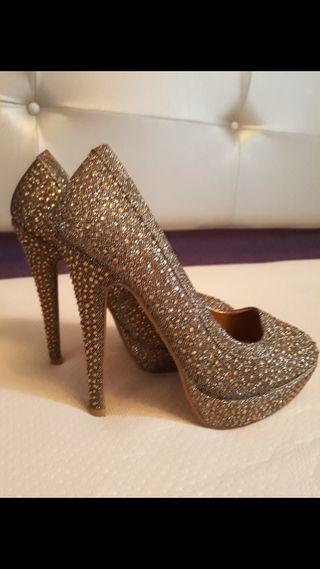 zapatos vuevos