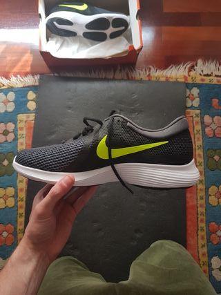 Zapatillas Nike deportivas nuevas