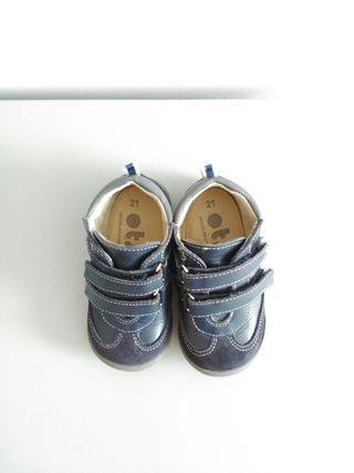 Zapato niño. Talla 21. OTS