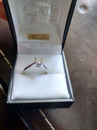f3ed604ca7ff Anillo diamantes de segunda mano en la provincia de Sevilla en WALLAPOP