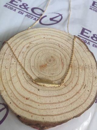 Collar hoja plata chapado en oro (tienda)
